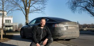 German Tesla Model S owner Manfred Kick saves a life and Elon Musk awards him with free repairs