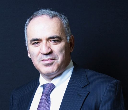 Gary Kasparov warns of fake news tactics used by Putin