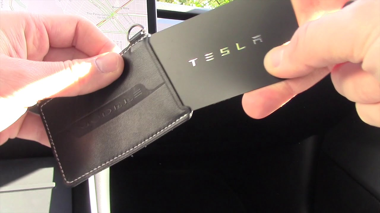 Tesla-Model-3-key-card.jpg
