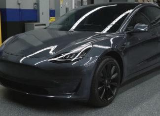 Tesla Model 3 in Silver Metallic